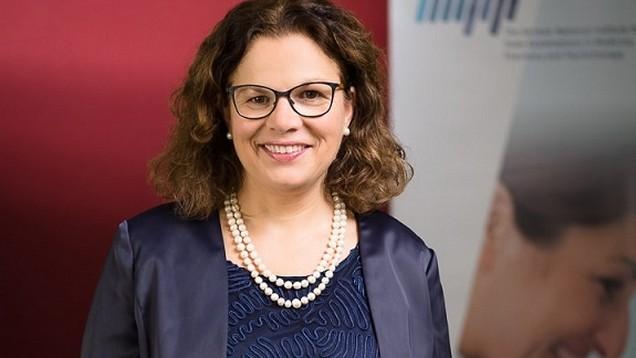 Prof. Dr. Jana Jünger ist Fachärztin für Innere Medizin und seit April 2016 Direktorin des IMPP. Seit ihrem Amtsantritt hat sie fachbereichsübergreifend die Überarbeitung aller Gegenstandskataloge und Prüfungsformate intensiviert. (Foto: IMPP)