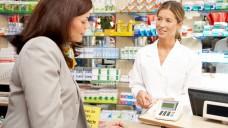 Kein Zusatzhonorar möglich? Einige Landes- und Bundesaufsichtsbehörden sind der Meinung, dass es für Verträge über pharmazeutische Dienstleistungen der Apotheker keine rechtliche Grundlage gibt. (Foto: KKH)