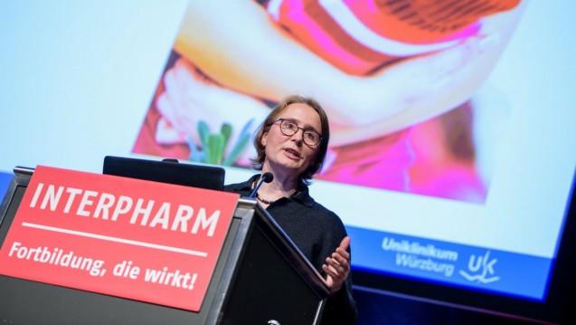 Prof. Dr. Ildiko Gágyor forscht selbst daran, wie man den Einsatz von Antibiotika verringern kann. (s / Foto:Matthias Balk)