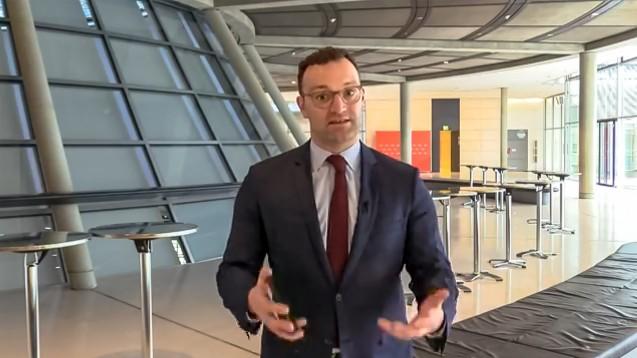 Bundesgesundheitsminister Jens Spahn (CDU) bekräftigte auf Facebook, dass es ihm um die Wiederherstellung der Gleichpreisigkeit gehe. (j/ Screenshot:BMG / FB-live)