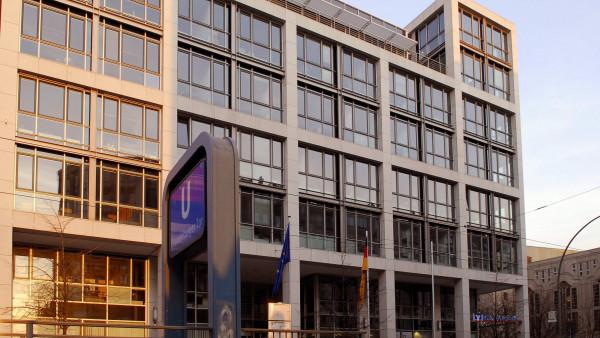 Suizid-Arzneimittel: Tagesspiegel klagt gegen BMG