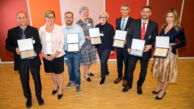 Die Preisträger des Österreichischen Patientensicherheits-Award kamen aus vier Kategorien – drei der sechs prämierten Projekte befassen sich mit der Arzneimitteltherapiesicherheit. (b/Foto: Rüdiger Ettl)