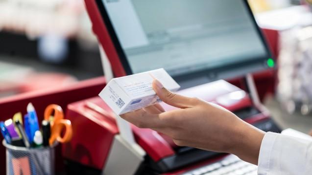 Apotheker müssen in den kommenden Monaten mit Preissteigerungen bei der Apotheken-Software rechnen. Grund dafür ist unter anderem, dass die Avoxa ihre Lizenzgebühren für die Nutzung eines Interaktionsmoduls erhöht. (Foto: s / imago images / Panthermedia)