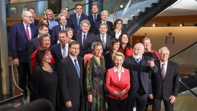 Ursula von der Leyen (CDU) und ihre neue EU-Kommission können am 1. Dezember ihre Arbeit aufnehmen. (Foto: imago images / Xinhua)
