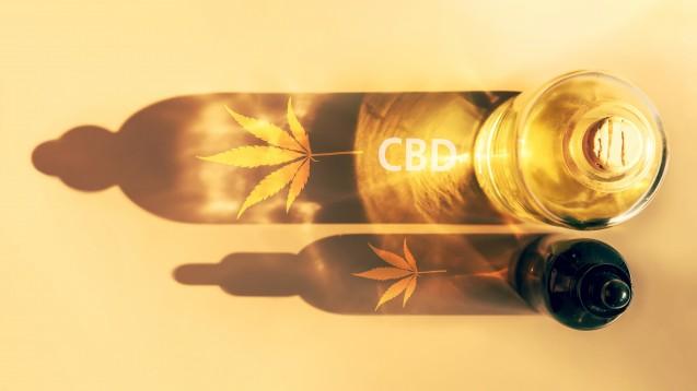Dem nicht psychoaktiven Cannabinoid werden zwar zahlreiche positive Eigenschaften nachgesagt, allerdings gilt es nach Ansicht des Bundesamtes für Lebensmittelsicherheit nicht als Nahrungsergänzungsmittel; als Novel-Food bedarf es einer Zulassung, als Arzneimittel ebenso. (Foto: Irina / stock.adobe.com)