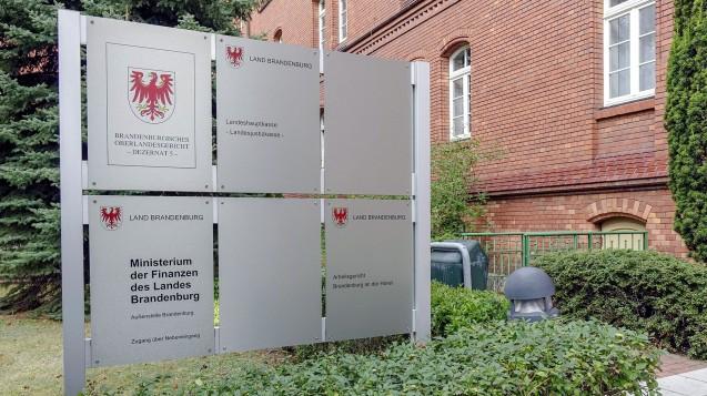 Das Brandenburger Finanzministerium widerspricht Kammerpräsident Jens Dobbert: Die gesamte Regierung habe festgelegt, dass der neue Pharmaziestudiengang erst später kommen soll. (b / Foto: Imago)