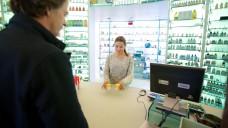 In den Niederlanden haben Apotheker zuletzt weniger Medizinalhanf abgegeben. ( r / Foto: Imago)