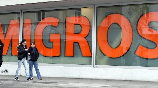 Migros ist das größte Detailhandelsunternehmen in der Schweiz. Nun will es mit Shop-in-Apotheken in Kooperation mit Zur Rose in den Arzneimittelmarkt. (Foto:picture alliance/KEYSTONE)