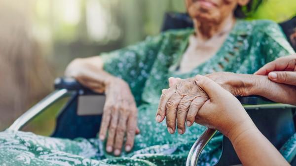 Lilly erprobt monoklonalen Antikörper gegen Corona in Pflegeheimen