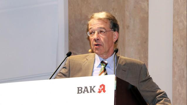 Dr. Eric Martin auf dem Pharmacon in Meran betonte die Rolle der Apotheker bei der Blutdrucktherapie. (Foto: ck/DAZ)