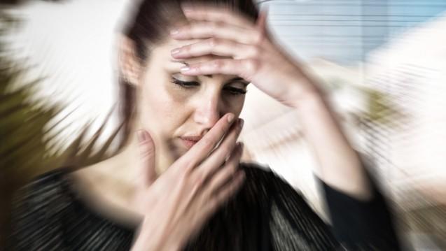Kann man sagen, welcher der zugelassenen Migräne-Antikörper im CGRP-System am besten wirkt? Das neue Addendum zur Migräne-Leitlinie hilft. (m / Foto: vectorfusionart / stock.adobe.com)