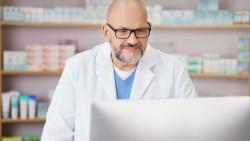 Zwei Online-Abfragen beim Großhandel reichen künftig aus, um nachzuweisen, dass ein Arzneimittel nicht verfügbar ist. (Foto:                                              contrastwerkstatt/stock.adobe.com)