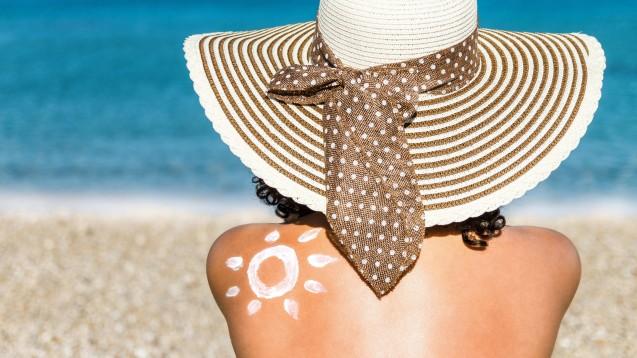 In der EU gelten strenge Regeln für den Einsatz von UV-Filtern in Kosmetikprodukten. (s / Foto: imago images / Panthermedia)