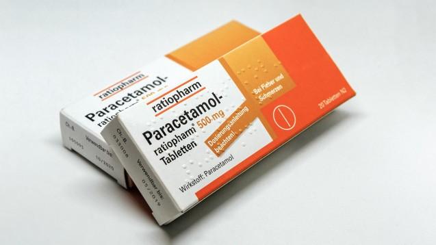 Zwei Packungen à 10 g Paracetamol – darf man das in der Apotheke abgeben? (m / Foto: imago images / Rüdiger Wölk)