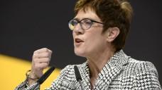Annegret Kramp-Karrenbauer ist neue CDU-Chefin. Bundesgesundheitsminister Jens Spahn schied vorzeitig im ersten Wahlgang aus. (b/ Foto: Imago)