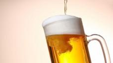 Warum hat der Schaum nicht dieselbe Farbe wie das Bier? (Foto: taa22 / stock.adobe.com)