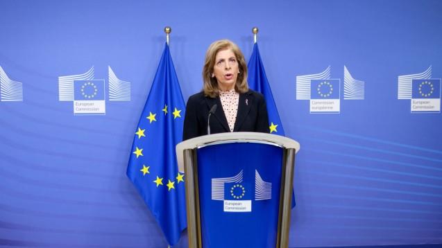 Laut EU-Gesundheitskommissarin Stella Kyriakides hat die EU-Kommission mit AstraZeneca eine Abnahmegarantie abgeschlossen, was das Unternehmen hingegen bestreitet. (Foto: imago images / Hans Lucas)