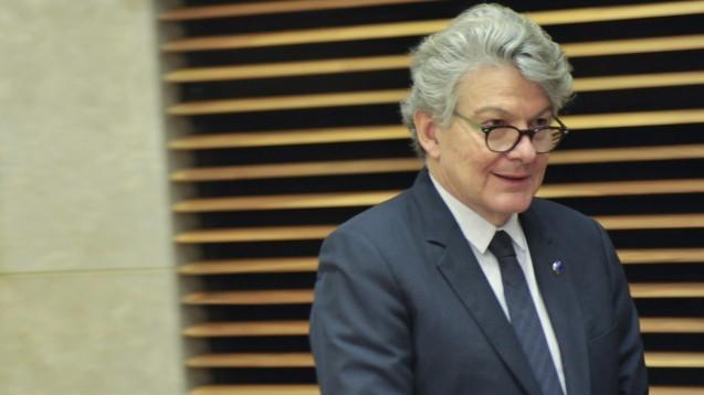 Der neue EU-Kommissar für den Binnenmarkt, Thierry Breton, antwortet ausweichend auf Fragen zur Überwachung des EU-Versenders DocMorris. (m / Foto: imago images / Le Pictorium)