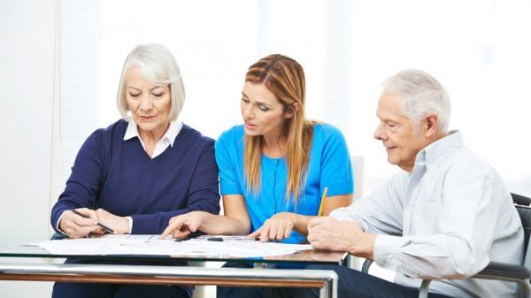 Pflegebedürftige besser über zustehende Leistungen beraten