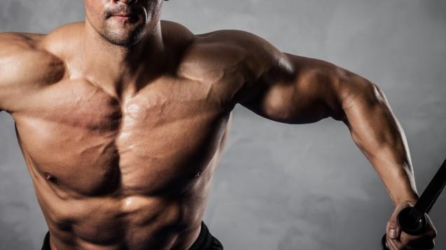 Mit dubiosen Supplementen: Für einen muskulösen Körper riskieren einige ihre Gesundheit. (Foto: Maksim Toome/Fotolia.com)