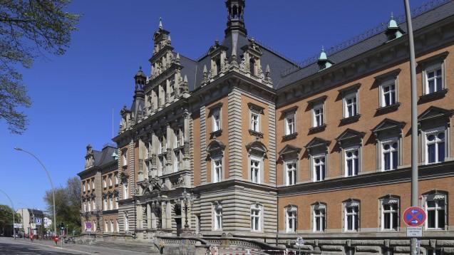 Das Landgericht Hamburg befasst sich mit der Abgabe von in Apotheken abgefüllten Opiumtinkturen. (Foto: imago images / F. Berger)