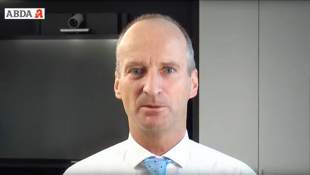 ABDA-Präsident Friedemann Schmidt erklärt das Krisenmanagement der ABDA. (t/Quelle: ABDA / YouTube)