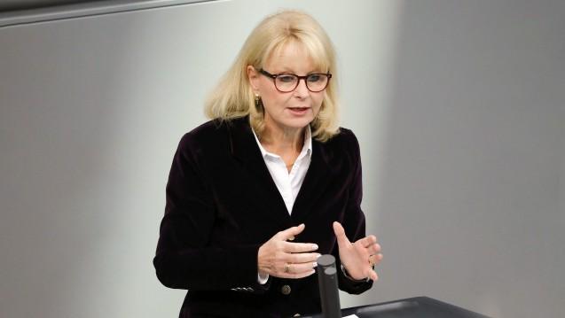 Die gesundheitspolitische Sprecherin der Unionsfraktion, Karin Maag (CDU), betont, dass Bundesgesundheitsminister Jens Spahn (CDU) mit seinen Apotheken-Plänen keine persönlichen Interessen verbindet. (s / Foto: Imago)