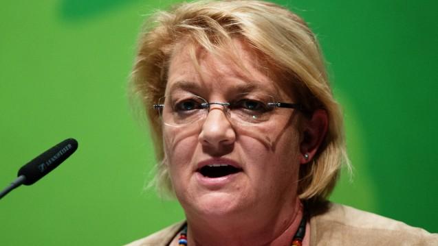 Kordula Schulz-Asche räumt dem Referentenentwurf von Gesundheitsminister Gröhe zum Rx-Versandhandelsverbot keinerlei Chancen ein. (Foto: dpa)