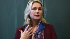 """Manuela Schwesig (SPD): Wer nicht verheiratet ist und Kinder haben will, aber auf natürlichem Wege keine bekommt und sich einer """"Kinderwunschbehandlung"""" unterziehen muss, soll in Zukunft stärker staatlich gefördert werden. (Foto: dpa)"""