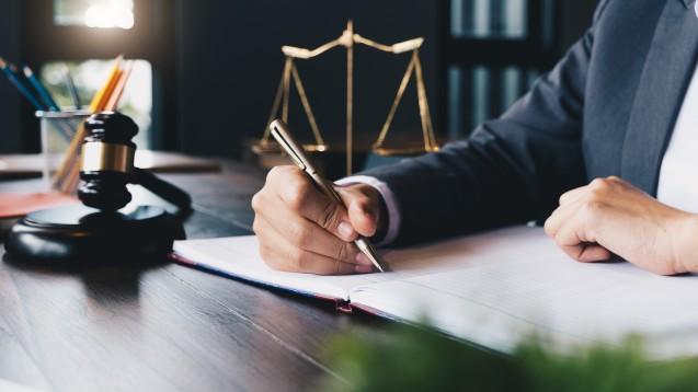 AvP-Gläubiger: Vergleich akzeptieren oder Gerichtsverfahren abwarten? (Foto:Natee Meepian / stock.adobe.com)