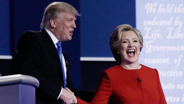 In einem Punkt sind die gegensätzlichen US-Präsidentschaftskandidaten Trump und Clinton auf einer Linie: Die Arzneimittelpreise sollen gedeckelt werden. (Foto: dpa)