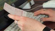 Vor Inkrafttreten der nächsten Tranche der Substitutionsausschlussliste muss die Apotheken-Software stimmen, fordert die ABDA. (Foto: Sket)