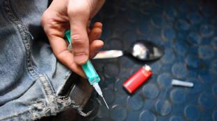 Apotheke stellt Automaten für steriles Injektionsbesteck auf