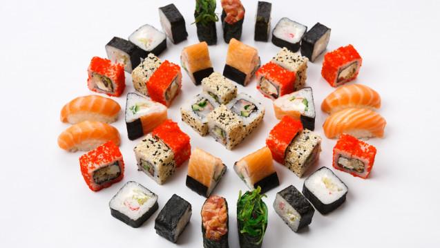 Ein junger Mann erkrankte nach Sushi-Verzehr an einer Wurmkrankheit: Anisakiasis.(Foto:Prostock-studio / Fotolia)
