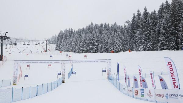 Sport und Neon bei den Apotheker-Skimeisterschaften
