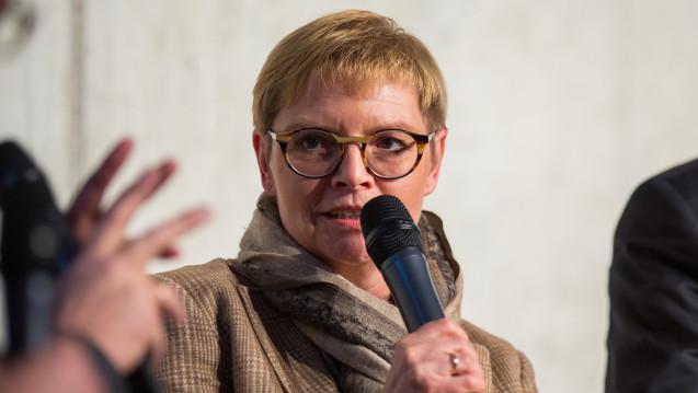 Die gesundheitspolitische Sprecherin der SPD-Bundestagsfraktion Sabine Dittmar würde das Apothekenhonorar gerne reformieren, meint aber, dass das Rx-Versandverbot zu viel Energie schlucken wird. (Foto: Külker)