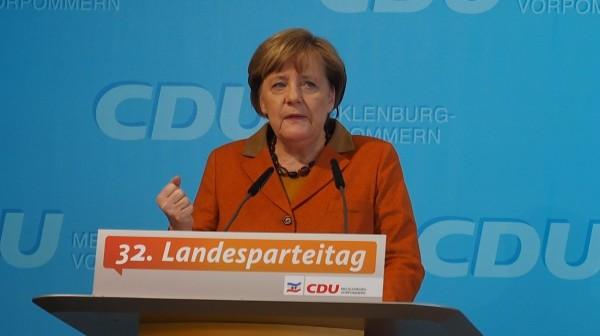 Merkel stellt sich hinter Vor-Ort-Apotheken