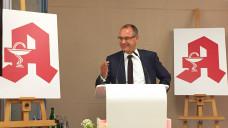 Stefan Fink, Vorsitzender des Thüringer Apothekerverbands, bittet Zyto-Apotheken ohne Vertrag um Geduld. (Foto: DAZ.online)