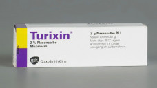 Wenn Turixin nicht lieferbar ist, können Apotheken Mupirocin Nasensalbe auch selbst herstellen. (Foto: GSK)