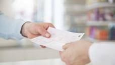 Auf über die Hälfte der ärztlichen Verordnungen werden heute in der Apotheke Rabattarzneimittel abgegeben. (Foto:picture alliance/Westend61)