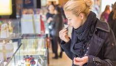 Parfüm: Kein Geschenk für Allergiker. (Foto: Kato / Fotolia)
