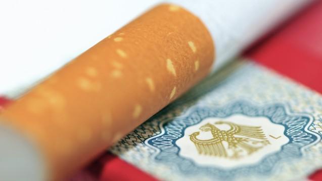 Höhere Steuern könnten mehr Menschen vom Rauchen abhalten. (Foto: von Lieres/Fotolia)