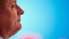 Bleibt dabei: Bundesgesundheitsminister Hermann Gröhe (CDU) will weiterhin den Versand mit Rx-Arzneimitteln verbieten. Dass Gröhe so hartnäckig sein Ziel verfolgt, ist durchaus verständlich, meint DAZ.online-Redakteur Benjamin Rohrer (Foto: dpa)