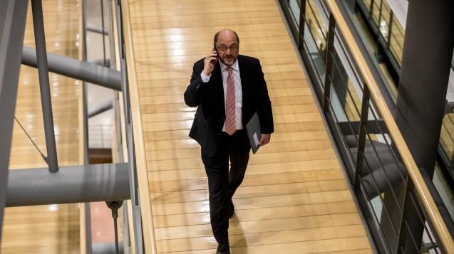 SPD-Chef Martin Schulz nach dem ersten Treffen von Union und SPD zu einer Neuauflage der Großen Koalition. (Foto: dpa)