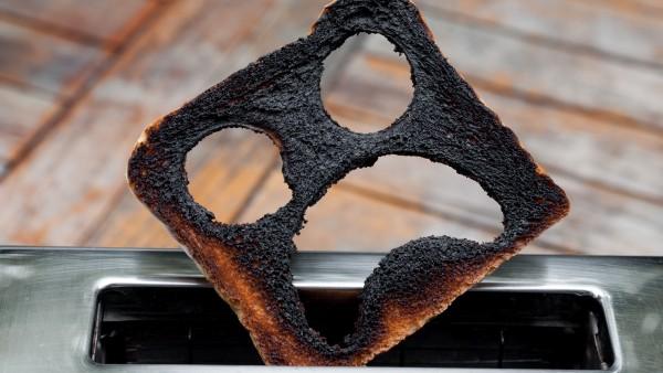 Wie kommt das Acrylamid in den Toast?