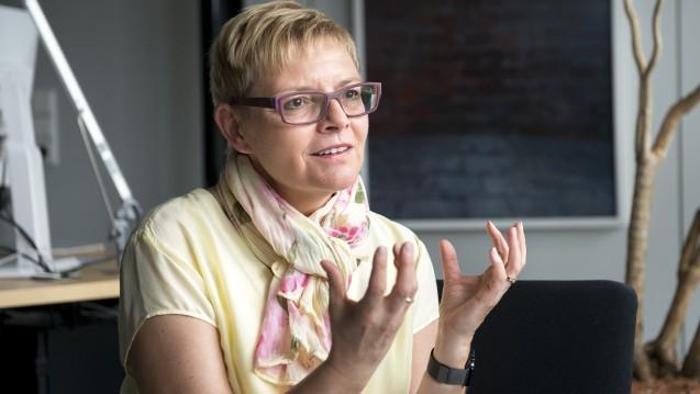 Sabine Dittmar ist Ärztin und seit einer Legislaturperiode Abgeordnete des Deutschen Bundestags. Sie wünscht sich unter anderem, dass Ärzte und Apotheker besser zusammenarbeiten. (Foto: P. Külker)