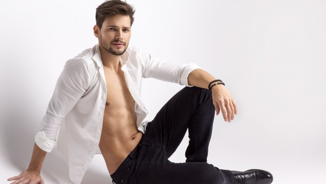 Was macht einen Mann attraktiv? Beta-Carotin? (Foto: kiuikson / Fotolia)