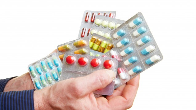 Polymedikation? Arbeiten Apotheker und Arzt zusammen, kann dies dem Patienten nur helfen. (Foto: Robert Kneschke / stock.adobe.com)