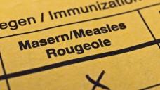 Personen, bei denen keine dokumentierten Masernimpfungen (mindestens 2) durchgeführt wurden, sollten sich unbedingt auch im Erwachsenenalter noch einmal gegen Masern impfen lassen. (Foto: Stockfotos-MG)