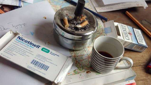 Nikotinersatzpräparate können Entzugswilligen eine wertvolle Stütze sein. Suchtexperten fordern deren Erstattungsfähigkeit. (Foto: Imago)